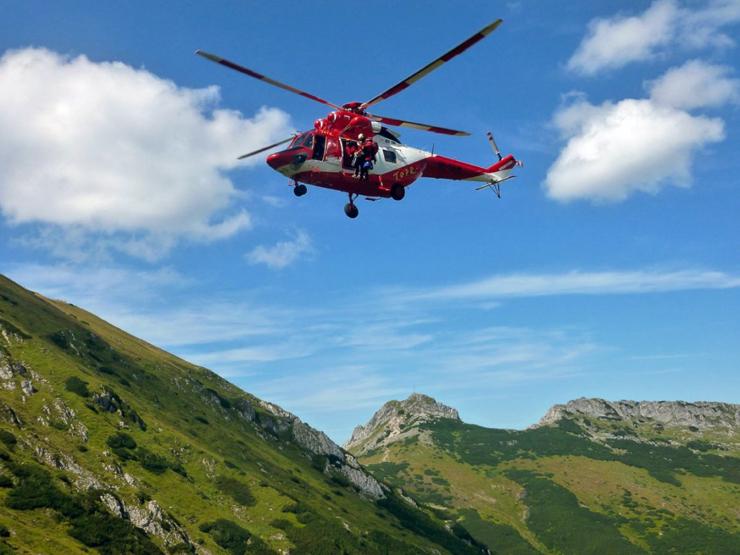 anneturpin-rescue helicopter - Polish Tatras.jpg