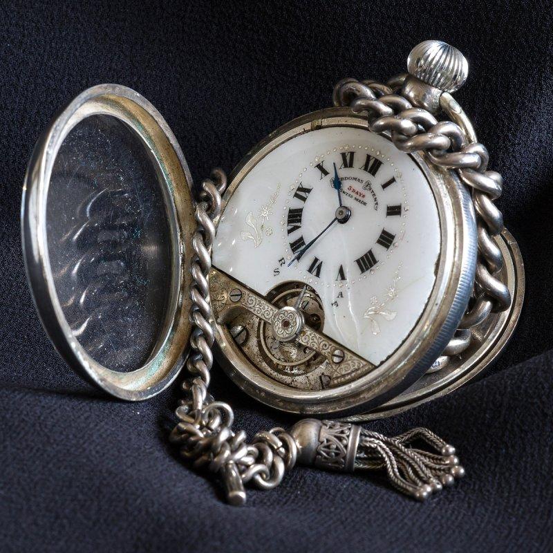 Colin_Brown_2_Pocket_watch.jpg