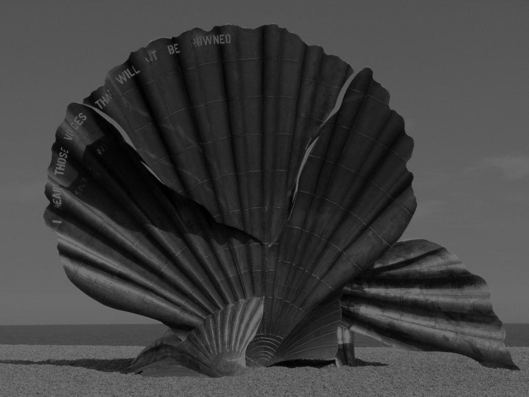 black-and-white-brenda-1